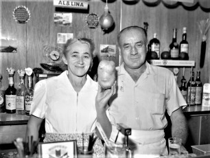Ridgewood Inn Al & Lina 1962 (1)