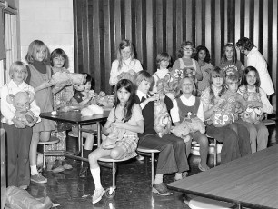 G'town Jr. Girl Scouts making Xmas gifts 1973
