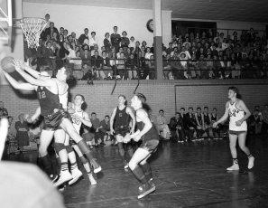 Chatham vs. Roe-Jan V. Basketball 1958 (1)