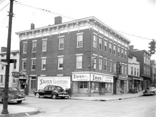 Plaza Hotel Warren St Hudson 1951