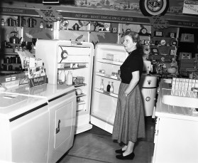Smith's Tire Shop Hudson 1954