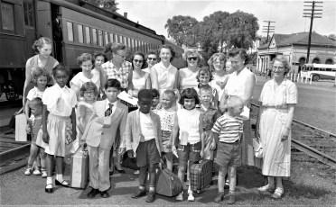 Fresh Air Kids arrive in Hudson 1956 (2)