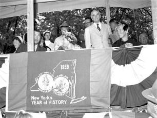 Hudson Champlain Celebration Parade Queen Julianna1959 (2)