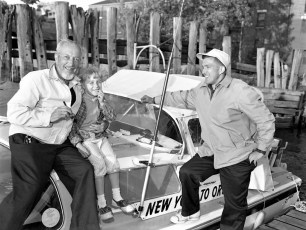 Hudson Power Boat Asso. welcomes 2 men bound for Oregon 1959 (2)