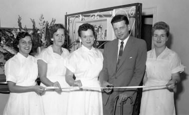 Tri Ve Beauty Shop Warren Street Hudson 1956