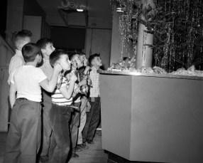 Xmas activities at the Hudson Boy's Club 1956 (3)