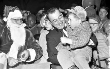 Hudson Chamber of Commerce Santa comes to Hudson 1961 (4)