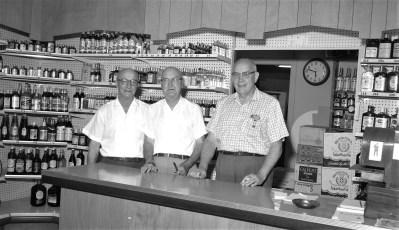 Columbia Wine & Liquor Store 205 Warren St. Hudson 1966