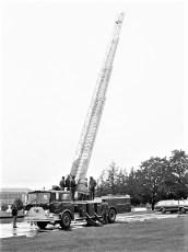 C H Evans Hose Co. No. 3 New Ladder Truck Hudson 1976 (3)