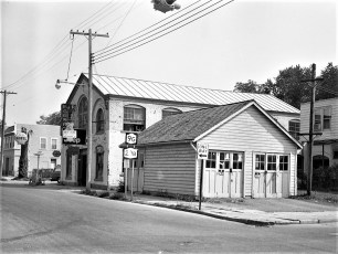 E J & R Garage Columbia St. Hudson 1973 (2)