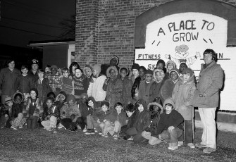 Hudson Boys Club leaving for circus 1975