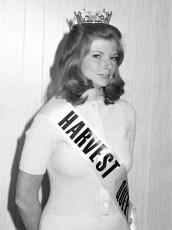 Col. Cty. Harvest Queen Ellen Kennedy 1973  (6)