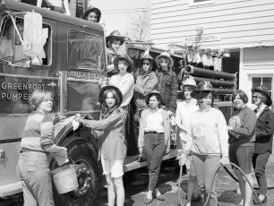 CMH 1969 Student Nurse's Car Wash at Greenport Rescue (3)