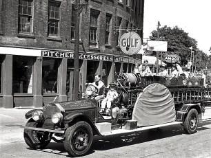 Hudson Firemans Parade 1945 (8)