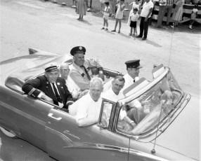 Col. Cty Volunteer Fireman's Parade Livingston 1958 (1)