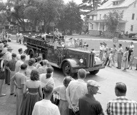 Col. Cty Volunteer Fireman's Parade Livingston 1958 (14)