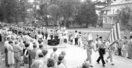 Col. Cty Volunteer Fireman's Parade Livingston 1958 (4)