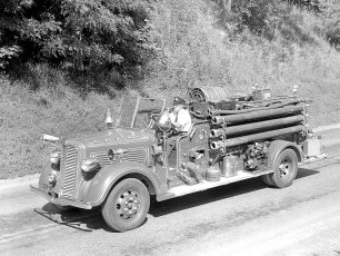 Col. Cty. Firemans Parade in Canaan 1956 (6)