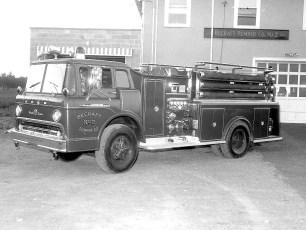 Becraft Pumper Co. No. 2 new pumper 1961