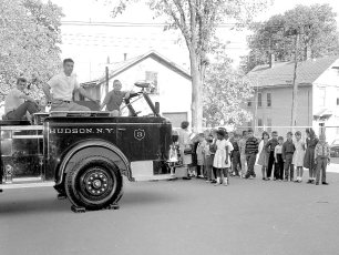 Hudson Fire Prevention Week St. Mary's Academy & 6th Street School 1963 (3)