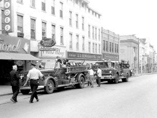 Multi Fire Company Emergency Water Test Warren St. Hudson 1964 (2)