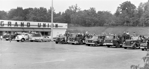 Multi Fire Company Emergency Water Test Warren St. Hudson 1964 (8)
