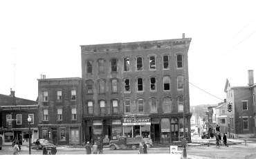 Catskill Fire Main Street Jan. 1951 (1)