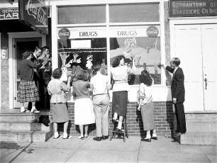 GCS Art Class Halloween Windows 1951