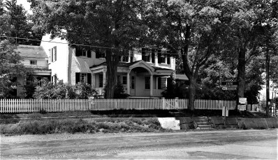 Elmwood Inn Rts. 22 & 23 Hillsdale 1958 (1)