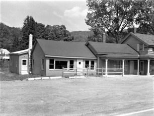 Jean's & Dan's Old Mink Farm Rt. 23 Hillsdale 1977 (1)