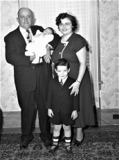 Archie & Jean Coons Family 1951 (2)