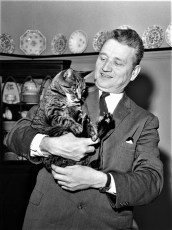 Peter Yadack & his cat 1960