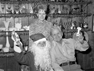 Lew & Louise Rynders with Santa at the Treasure Cove G'town 1977