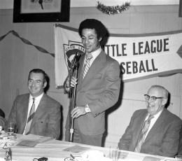 Hudson Elk's Little League Awards Dinner with Yankee Roy White 1971 (2)