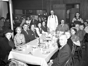 Methodist Ch. Dinner Tivoli 1951 (1)