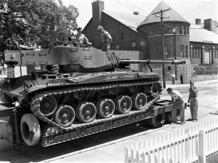 National Guard unloading tank Hudson 1960 (1)