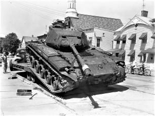 National Guard unloading tank Hudson 1960 (2)