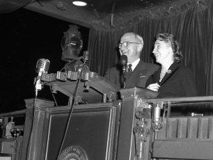 President Truman makes whistle stop in Hudson Oct. 1952 (1)