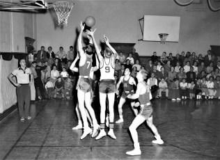 Roe Jan High Basketball Hillsdale 1956 (3)