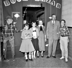 Claverack School welcomes author Victor J. Dowling 1957 (2)