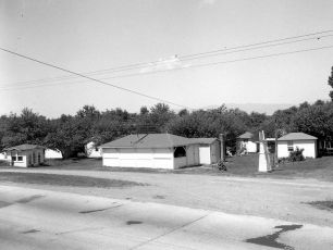 Waterview Cosy Cabins Clermont 1949 (5)