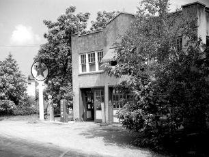 Stanley Miller garage 1949 unsharp high (2)