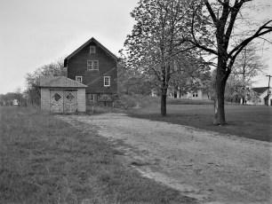 Dr. Carpender house & barn Main St G'town 1954 (3)
