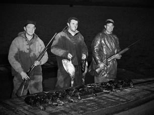 Edgar & Jack Dewitt & Billy Decker duck hunting 1952 (2)