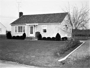 Vince Holsapple house Woods Rd G'town 1954