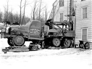 Hugh McLean & Sons drilling in Cheviot 1960 (3)