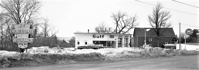 Gulf Station Rt. 9G G'town 1971