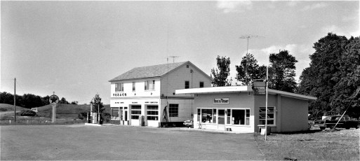 Ann's Diner & Gas Station Rt. 82 1964 (3)