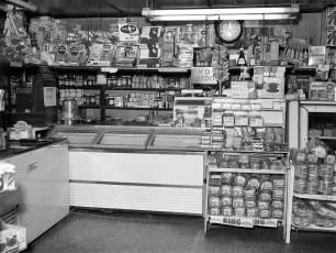 Feller's Grocery Store Linlithgo 1964 (2)