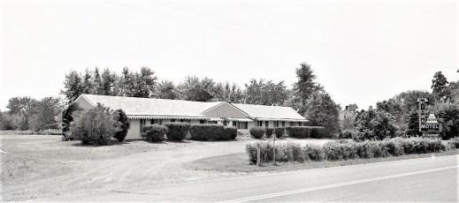 Kiowa Motel Rt. 9 Livingston 1972